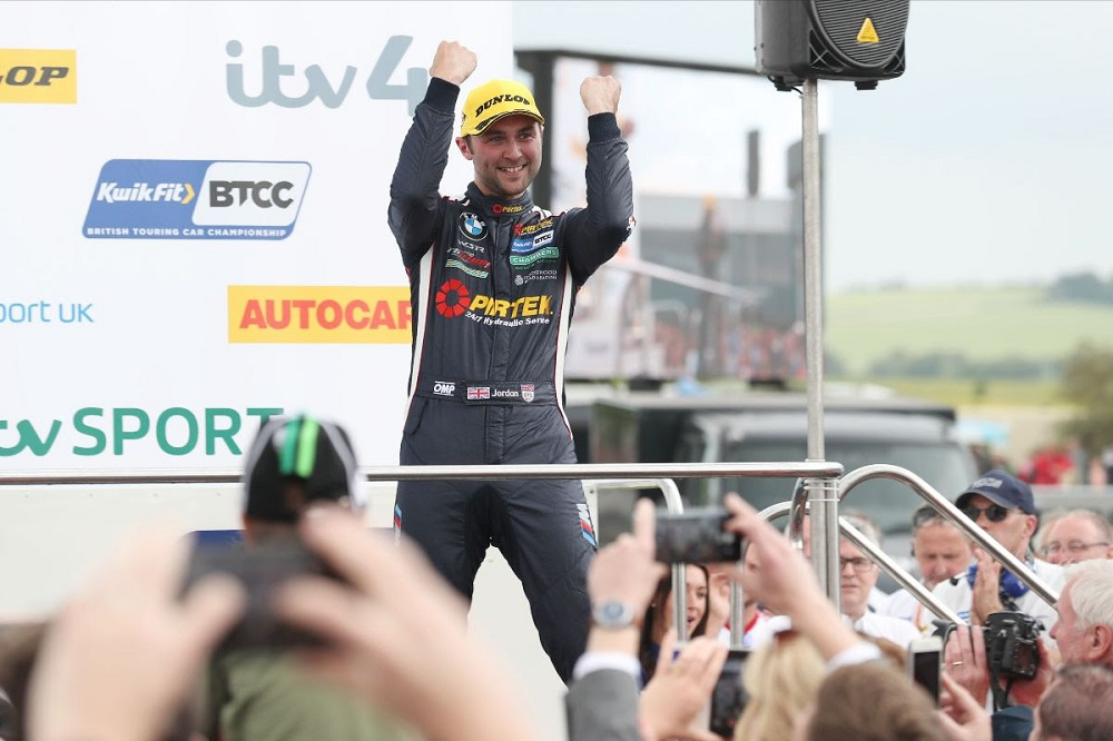 BMW Pirtek Racing star takes two victories at Thruxton