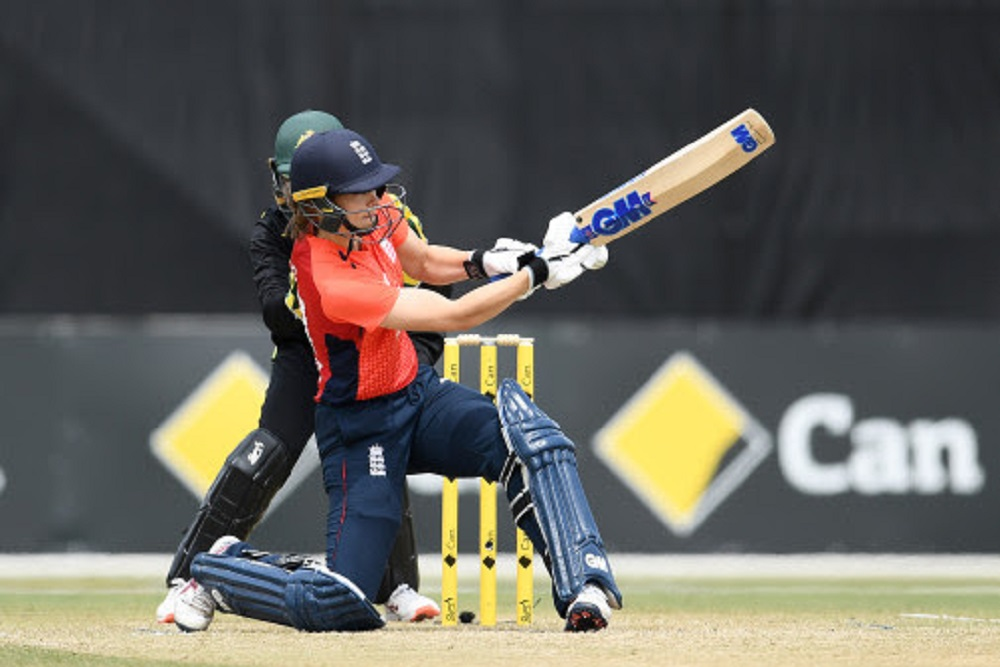 England finish Tri-series with consolation win