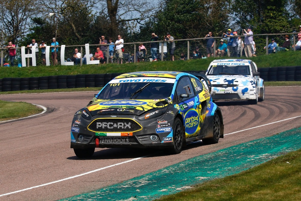 Tohill leads after Lydden Hill victory